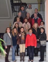Un grupo de alumnos del taller 'Sevilla y la historia de sus calles, del Distrito Casco Antiguo' ha visitado el Ateneo