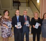 El libro 'Me casé con un periodista', de José Joaquín León, ha sido presentado en el Ateneo