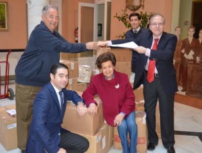 La Cabalgata de Reyes Magos del Ateneo de Sevilla entrega tres toneladas de alimentos a economatos y comedores sociales de Sevilla