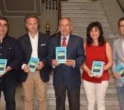 El autor Manuel Garrido Hernández presentó su obra 'Playlist' en el Ateneo de Sevilla
