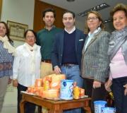 La Fundación Doña María ha donado media tonelada de alimentos para la Acción Social del Ateneo