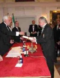El Dr. Alberto Máximo Pérez Calero, Presidente del Ateneo, estuvo presente en la Presidencia del acto de ingreso de Ismael Yebra Sotillo, como Académico de Medicina